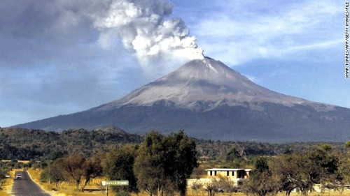 130413181221-popocatepetl-volcano-01-story-top